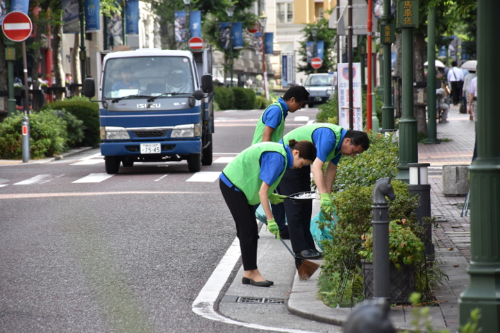 武松商事 第107回清掃活動 馬車道 関内まつり