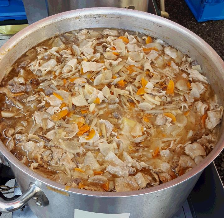第16回エコ・イセザキ 豚汁 堆肥 食品リサイクルループ